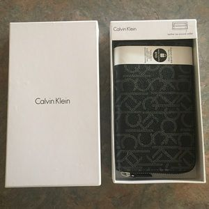 NWT Large Calvin Klein Zip Around Wallet RFID